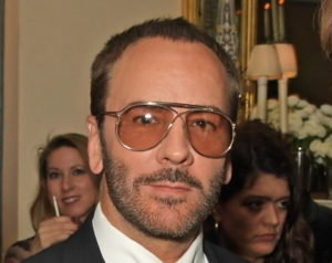 "COL FONDOTINTA TOM FORD, ""OMBREGGIA E ILLUMINA"" COME UNA PITTRICE"