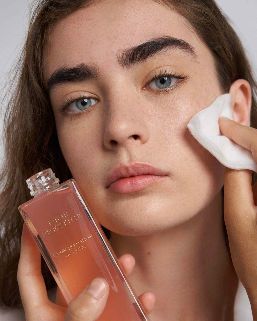 Make-up Dior Prestige la Micro Lotion de Rose